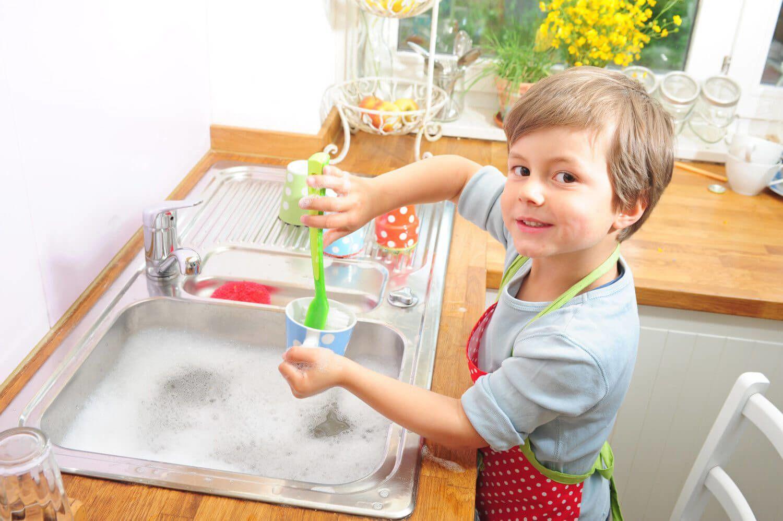 6. Pekerjaan rumah tangga