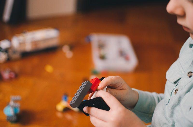 Seru Main Bongkar Pasang Bisa Bantu Asah Otak Anak