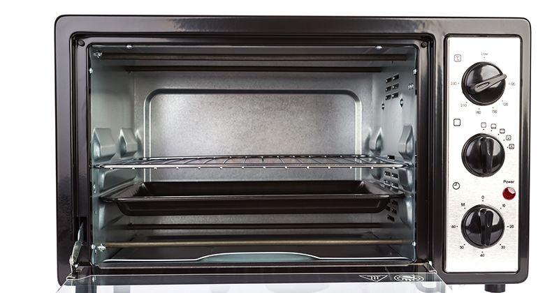 6. Menjaga kebersihan microwave