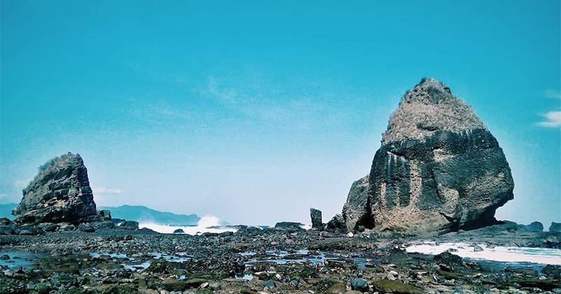 2. Pantai Papuma