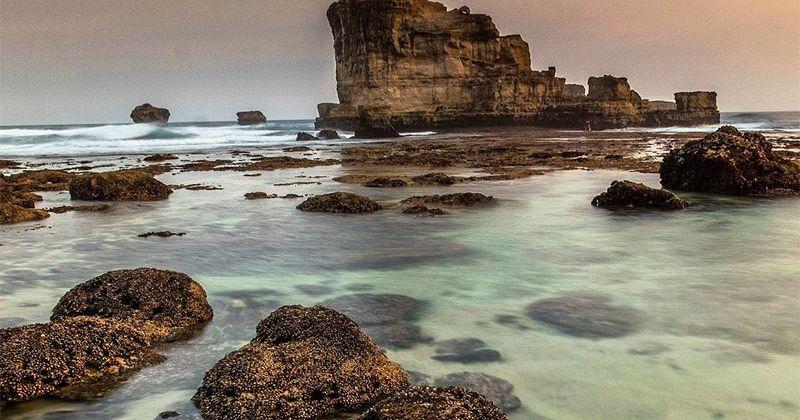 4. Pantai Buyutan