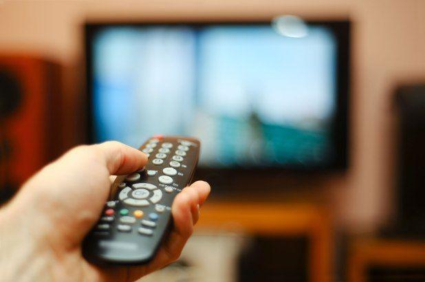 Mama, Kurangi Intensitas Menonton TV Anak Lihat Manfaatnya