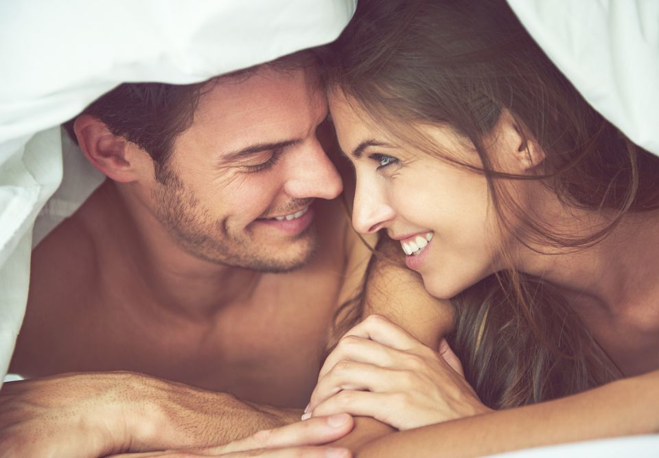 Смотреть как муж удовлетворяет жену