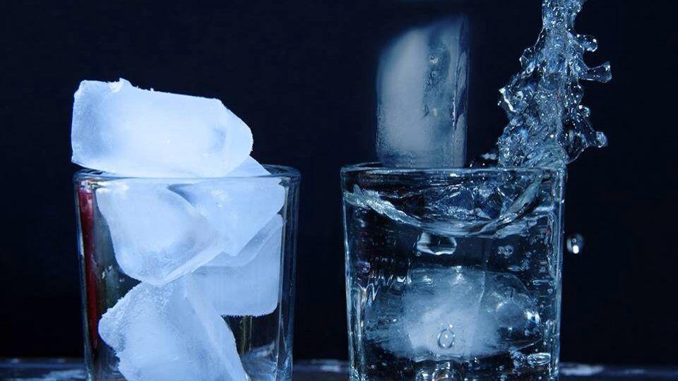 6. Es batu membuat kamu terhidrasi