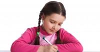 7 Manfaat Tak Terduga Menulis Buku Harian bagi Anak Mama