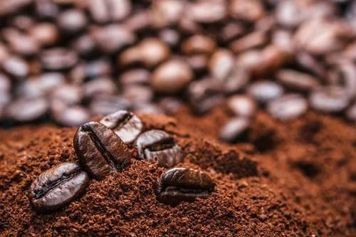 4. Minyak kelapa bubuk kopi bisa bantu mengurangi komedo