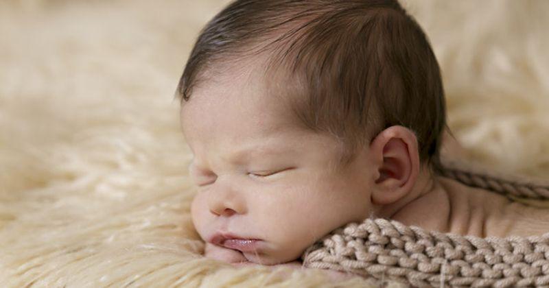 1. Mitos Bayi diberikan susu formula bisa tidur lebih nyenyak