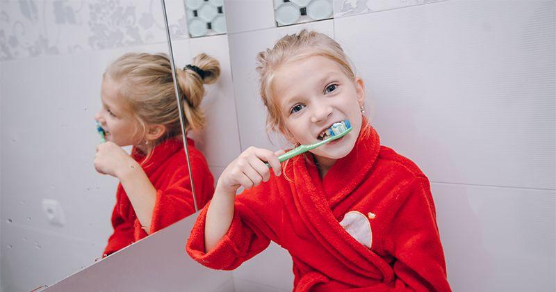 Penyebab Perubahan Warna Gigi Anak