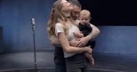 Bikin Terharu, Ini Tulisan Istri Adam Levine Tentang Father's Day
