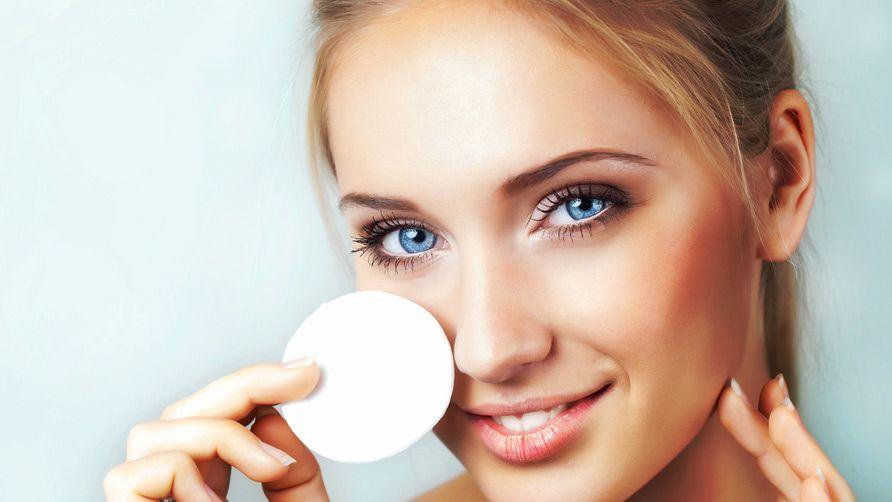 3. Sebagai makeup remover