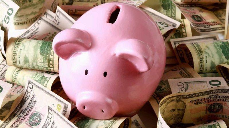 4. Ajarkan menabung sejak dini