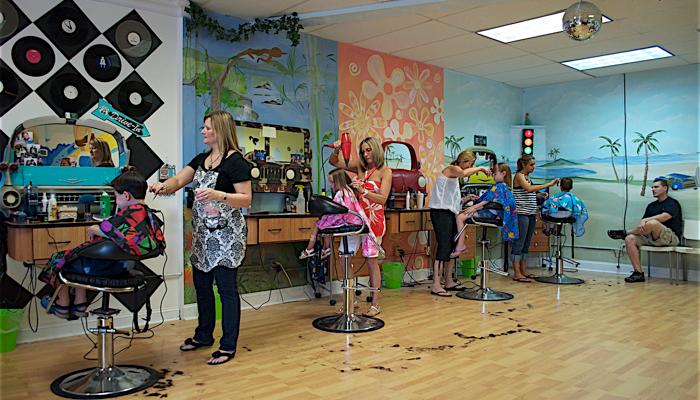 1. Pilih salon siap menangani anak kecil