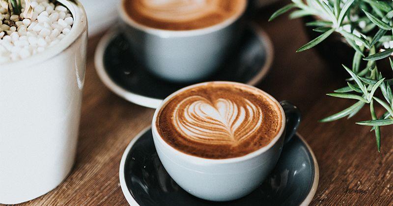 2. Makanan minuman mengandung kafein