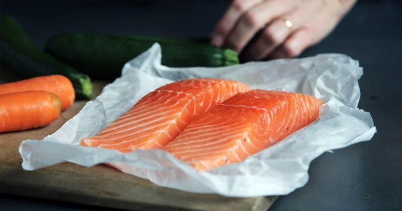 Bisa Dijadikan MPASI, Ini 5 Manfaat Salmon Bayi