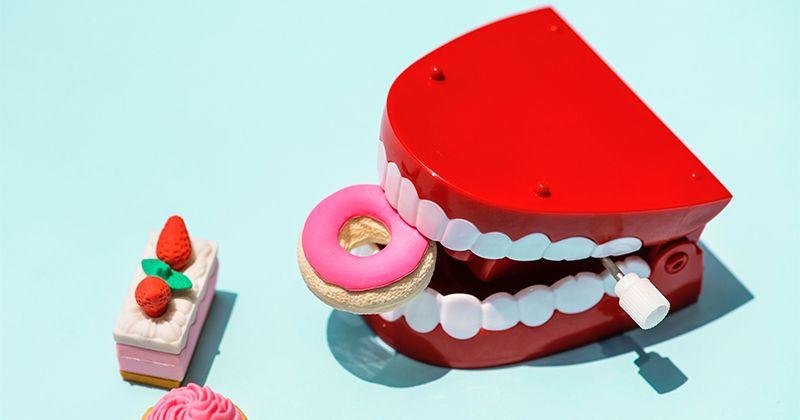 2. Sering mengabaikan kesehatan mulut jarang sekali sikat gigi