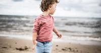 Ingin Berlibur ke Pantai Perhatikan 5 Hal Ini Demi Keselamatan Anak