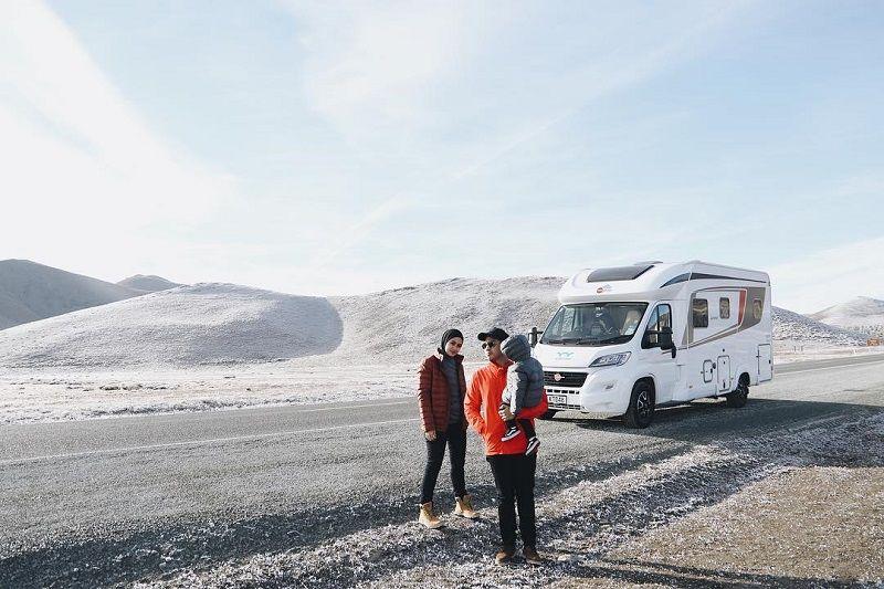 7 Potret Road Trip Seru Ayudia-Ditto Ha Campervan