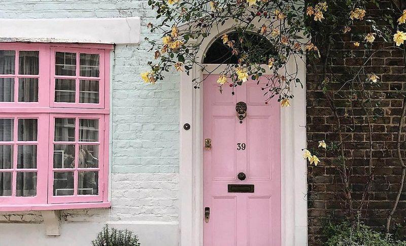 4. Pink memberikan mood baik setelah berkegiatan luar