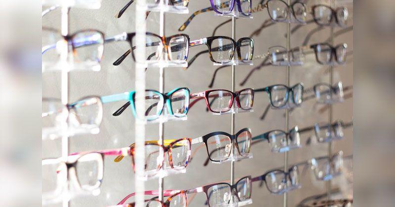 1. Pastikan kacamata sesuai si Kecil
