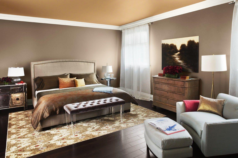 4. Gunakan wallpaper beberapa bagian ruangan