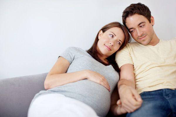 Ini Kekhawatiran Papa Ketika Berhubungan Intim Selama Mama Hamil
