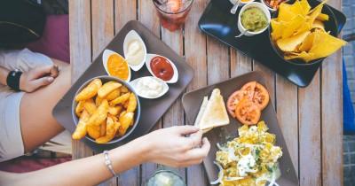 7 Pantangan Makanan setelah Operasi Caesar yang Harus Mama Hindari