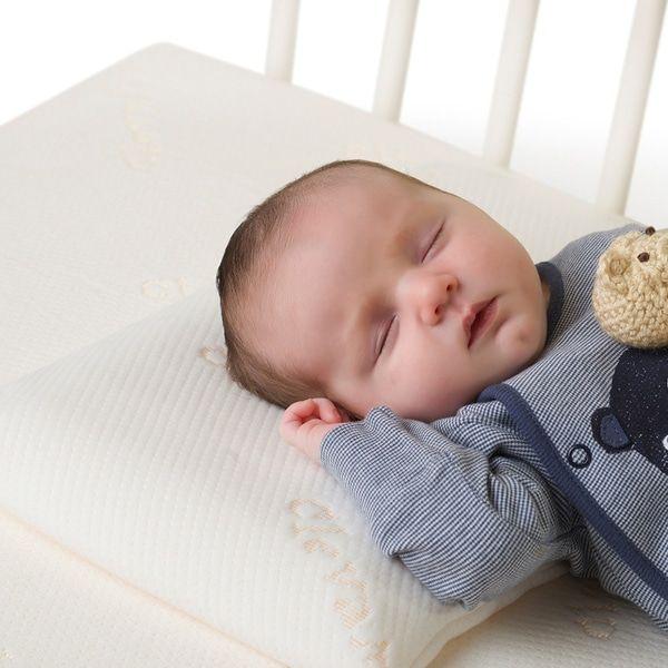 1. Sesak napas karena leher bayi tertekuk