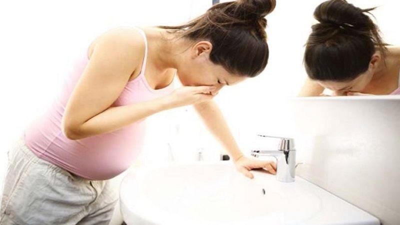 5 Cara Mengontrol Mual Muntah Saat Hamil Muda