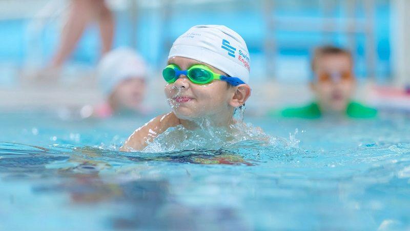 1. Swimmer's ear adalah infeksi telinga bagian luar