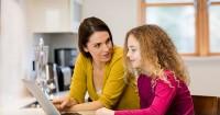 7 Cara Pendekatan Ngobrol Topik Sensitif Anak