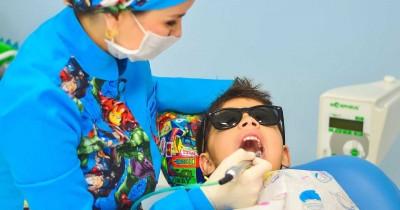 Tips Trik agar Anak Berani ke Dokter Gigi