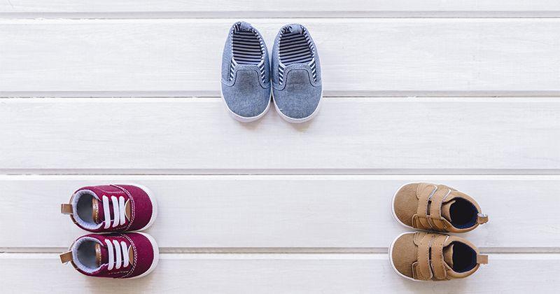 3. Pilih sepatu bahan ringan