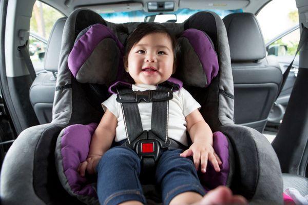 5. Menggunakan car seat bekas pakai