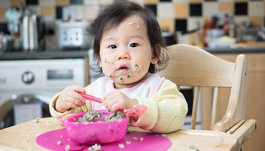 Saat Mulai Makan, Hati-hati Bahaya Tersedak Bayi