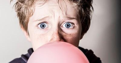 Akibat Menelan Permen Karet Tanpa Sengaja, Apa yang Terjadi pada Anak?