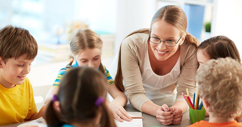 4. Tetap berhubungan guru