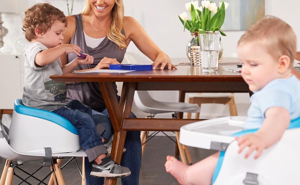 6. Memungkinkankan si Kecil ikut makan bersama keluarga