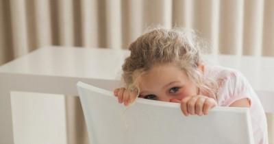 7 Hal yang Bisa Membuat si Kecil Jadi Nggak Percaya Diri!