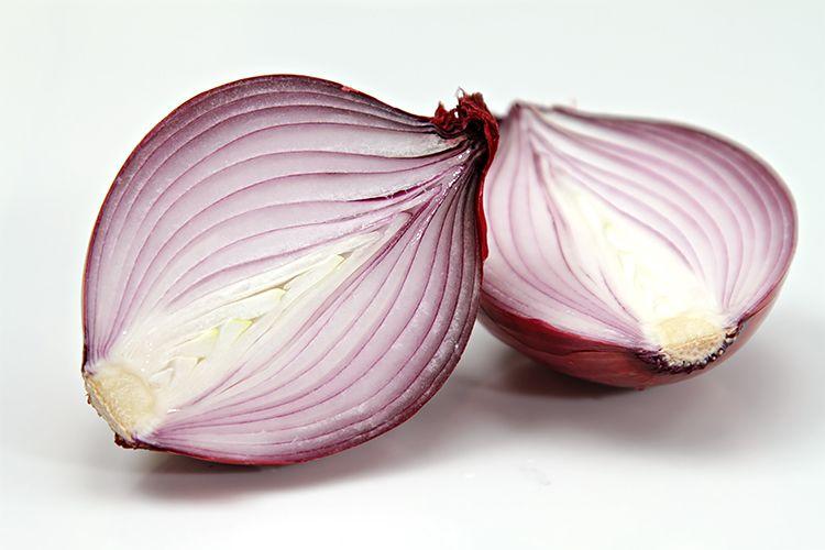 5. Bawang merah adalah obat batuk alami