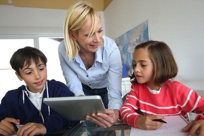 4. Menilai anak ha dari nilai akademik
