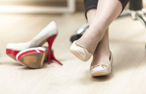 2. Simpan sepatu dalam lemari teratur nggak berantakan