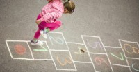 5 Hal Perlu Diperhatikan Saat Mengajak Anak ADHD Beraktivitas