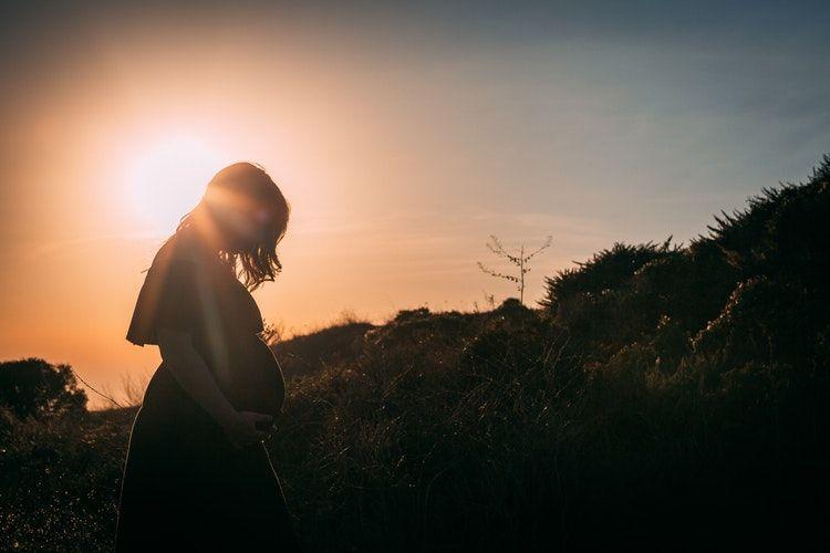 7 Cara Mengatasi Depresi Kronis Ibu Hamil