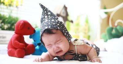 Selain Popok Basah, Ini 4 Hal Lain Penyebab Bayi Menangis