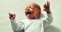 Kenali Wonder Week, Ketika Bayi Lebih Sering Menangis Rewel