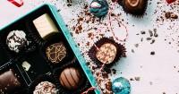 4. Semua makanan mengandung cokelat