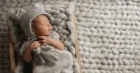 4 Hal Harus Diwaspadai jika Bayi Berkeringat saat Tidur
