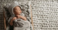 Bayi Berkeringat Saat Tidur Ini Perlu Mama ketahui