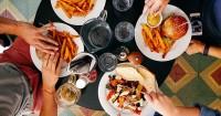 7 Jenis Makanan Sebaik Tidak Dikonsumsi Saat Hamil