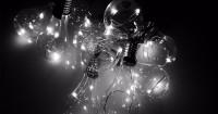 4. Beralih ke lampu LED atau CFL